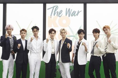 熱かった今年のK-POP音盤市場で「EXO」の4thアルバム「THE WAR」が最高のアルバムに選ばれた。(提供:OSEN)