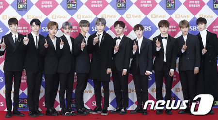 韓国ボーイズグループ「Wanna One」が、アメリカのビルボードが選ぶ「K-POP新人」1位になった。(提供:news1)