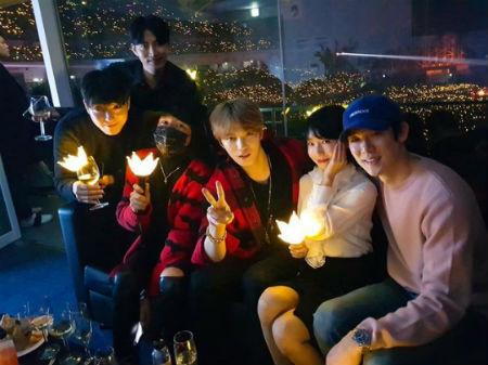 女優イ・ジョンヒョンが「BIGBANG」のコンサートで撮った写真を公開した。(提供:OSEN)