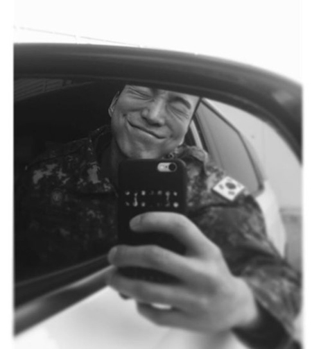 俳優ト・サンウ、きょう(4日)21か月の服務終え満期除隊 「待っていてくれた時間に恩返し」(提供:OSEN)
