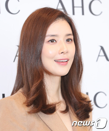 韓国女優イ・ボヨン側が、悪質コメントや名誉棄損に強硬対応すると立場を明らかにした。(提供:news1)