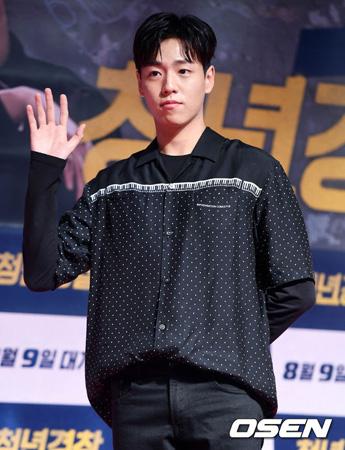 2月に志願入隊する韓国俳優イ・ヒョヌ(24)がファンミーティングを開催する。