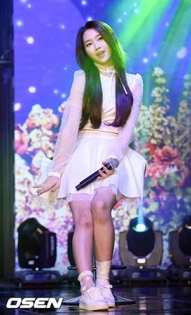 韓国ガールズグループ「OH MY GIRL」ジホ(20)が練習中に足首を負傷した中、「回復がはやい」と述べ、ファンを安心させた。