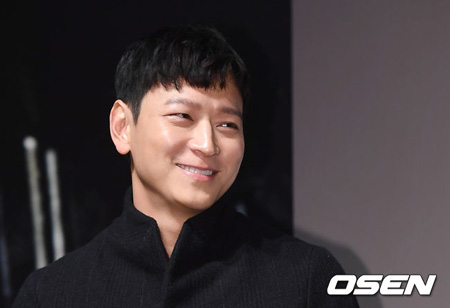 韓国俳優カン・ドンウォンが日本の人気小説「ゴールデンスランバー」が映画化されるように、まず先に映画制作会社側に提案したと打ち明けた。(提供:OSEN)