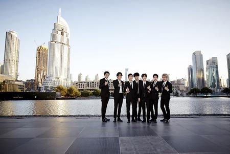 「EXO」、ドバイ噴水ショー公開記者会見に出席「感動的」(提供:news1)