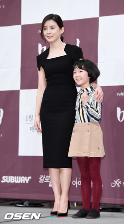 韓国版「Mother」のキム・チョルギュ監督が400:1の競争率を経て抜てきされた子役ホ・ユルを称賛した。