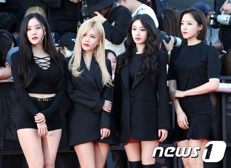 韓国ガールズグループ「T-ARA」のメンバー4人が、前所属事務所MBKエンターテインメントが提出した商標出願に対して、反対意思の情報書を提出したことがわかった。(提供:news1)