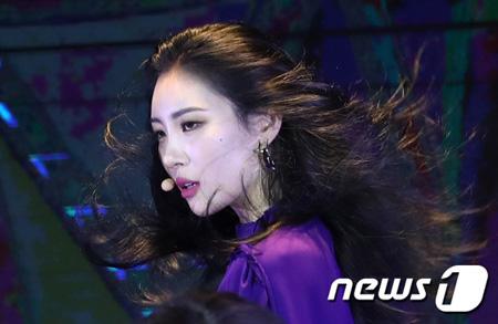 韓国歌手ソンミ(元Wonder Girls)が発売した新曲「Heroine」がリアルタイムチャート1位に輝いた。(提供:news1)