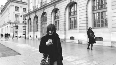 ソン・ヘギョが21日、自身のInstagramにパリでの写真を掲載した。(提供:OSEN)