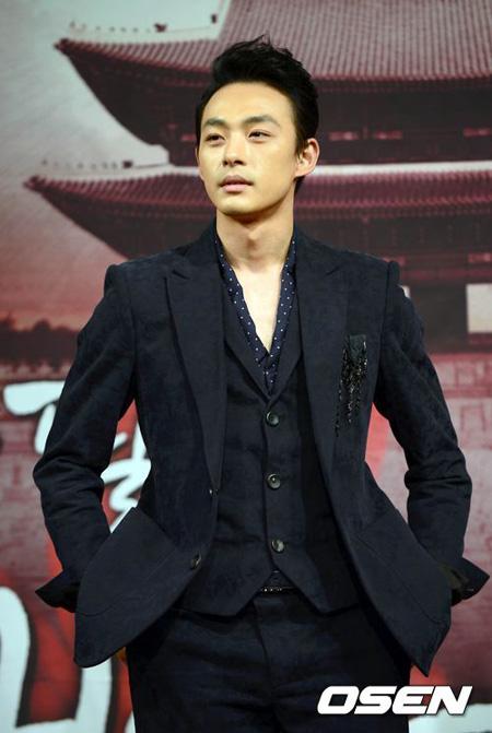 韓国女優ハ・ジウォンの弟で俳優のチョン・テスが死去したことがわかった。