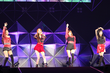 「BLACKPINK」約5か月ぶりの日本でのステージに大トリで登場! (オフィシャル)