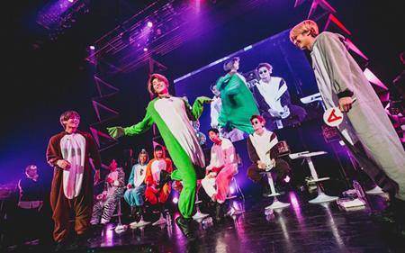 「SF9」、日本ファンクラブ発足イベントを開催! 超レアな着ぐるみ姿も披露しファンとお祝い(オフィシャル)