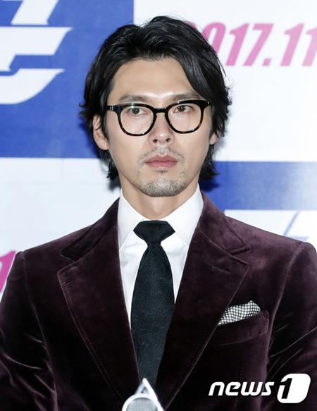 俳優ヒョンビン側、SBS新ドラマ「キツネ新妻星」出演報道を否定… 「確定NO、検討中」