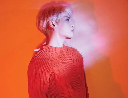 韓国ボーイズグループ「SHINee」メンバーの故ジョンヒョン(享年27)の遺作アルバムの収録曲の一つ、「Rewind」が、放送不適格に判定された。(写真提供:news1)