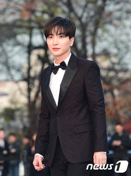 イトゥク(SJ)、tvNバラエティ「あなたの声が見える」制作発表会出席 「H.O.T.再結成後、出演してほしい」