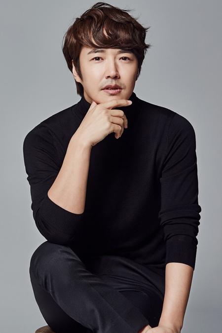 俳優ユン・サンヒョン、MBC新ドラマ「手をつないで」主演に確定=ハン・ヘジンと夫婦役(提供:news1)