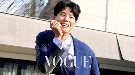 台湾ファッション誌の2月号を飾った韓国俳優パク・ボゴム(24)の画報ビハインドカットが公開された。(提供:OSEN)