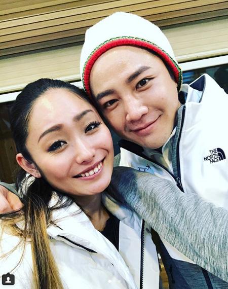 プロフィギュアスケーターの安藤美姫、チャン・グンソクとの2ショットに「お会いできて光栄」(画像:安藤美姫のInstagram)