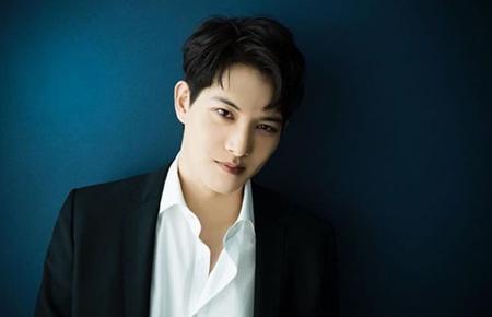 韓国の人気バンド「CNBLUE」のメンバー、イ・ジョンヒョン(27)が1日、SNSを通して複雑な心境を吐露した。(提供:OSEN)