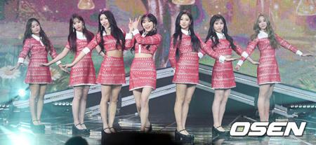 韓国ガールズグループ「LOVELYZ」が2度目の冬のコンサートを開催し、ドキドキする心境を明かした。(提供:OSEN)