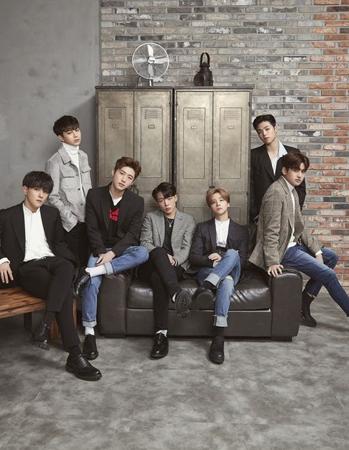 韓国ボーイズグループ「iKON」の新曲「LOVE SCENARIO」がロングヒットしているのには理由がある。(提供:OSEN)