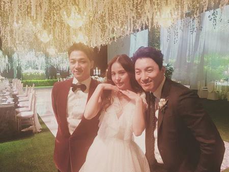 """SOL(BIGBANG)の兄""ドン・ヒョンベ、弟夫妻の結婚を祝福…「花道だけを歩こう。幸せだ」(提供:OSEN)"