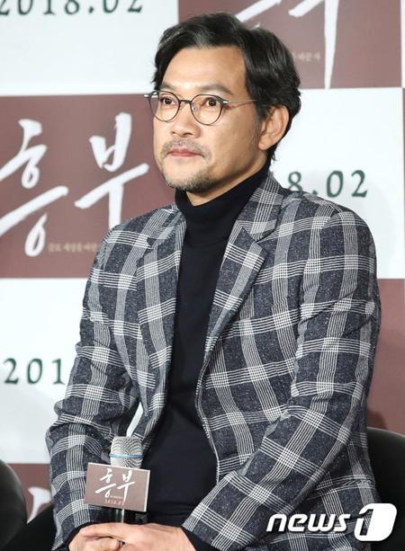 俳優チョン・ジニョン、映画「興夫」を「故キム・ジュヒョクの遺作として考えないで…」