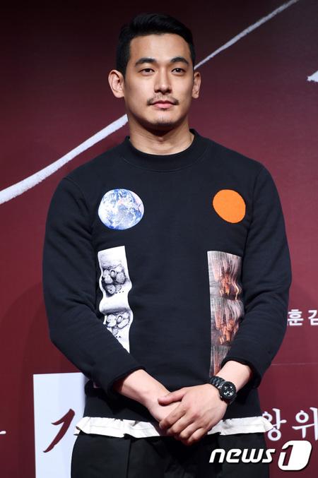 韓国歌手ペク・チヨン(41)の夫で俳優のチョン・ソグォン(32)が麻薬投薬容疑で警察に緊急逮捕されたことがわかった。(提供:news1)