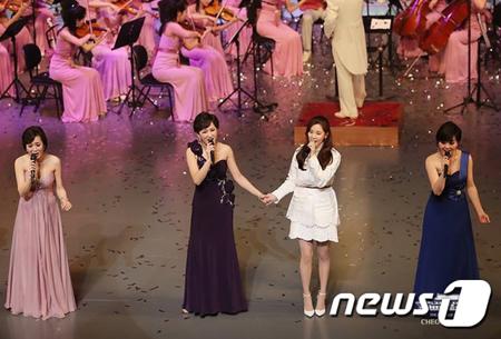 韓国ガールズグループ「少女時代」のソヒョンが、北朝鮮芸術団「三池淵管弦楽団」の団員と共にサプライズで合同公演をおこなった。(提供:news1)