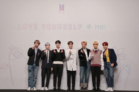 韓国ボーイズグループ「防弾少年団」のアルバム販売数が158万枚を突破し、自身が持つベスト記録を再び更新した。(提供:OSEN)