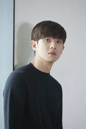 韓国俳優イ・ジュン(元MBLAQ、30)が軍隊内で自殺を試みたという報道に対して、イ・ジュン側はコメントを発表した。(提供:OSEN)