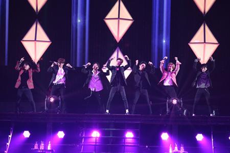 「iKON」、 2か月ぶりとなる日本のステージで新曲初披露! (オフィシャル)