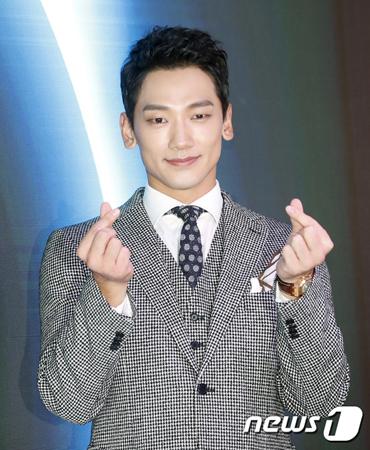 韓国歌手で俳優のRain(ピ)が、JTBCの新ドラマ「スケッチ」でドラマ復帰する予定だ。(提供:news1)
