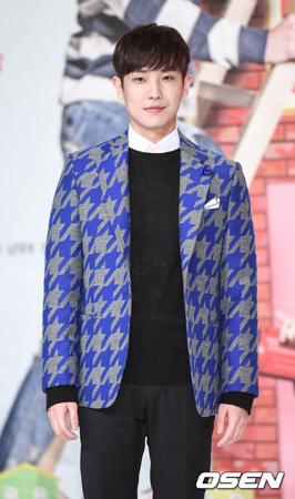 """韓国俳優イ・ジュン(、元MBLAQ)が軍で自害し、""""グリーンキャンプ""""(保護観察部隊)に入所したという報道について、公式立場を発表した。"""