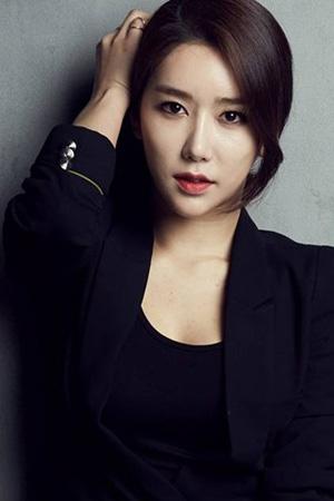韓国女優シン・スジョン(34)が本日(19日)、女の子を出産した。(提供:OSEN)