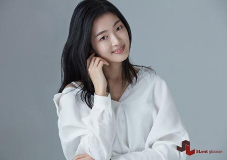 新人女優イ・ジウォン、SLent Gloceanと専属契約を締結(提供:news1)