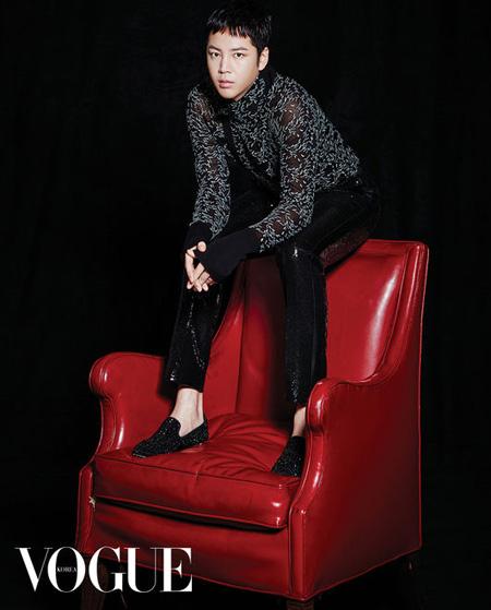 韓国俳優チャン・グンソクがファッション誌「VOGUE KOREA」と共におこなった画報を公開した。(提供:OSEN)