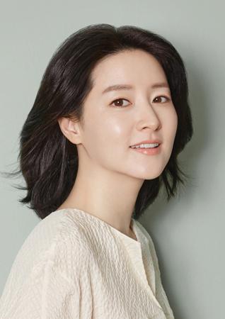 韓国女優イ・ヨンエ(47)が、映画「僕を探して」に出演することになった。(提供:news1)