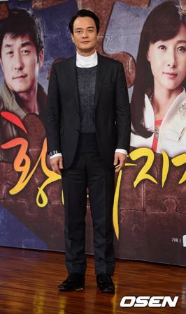 韓国俳優チョ・ミンギ(52)が今月28日で清州(チョンジュ)大学の教授職を免職となる。(提供:OSEN)