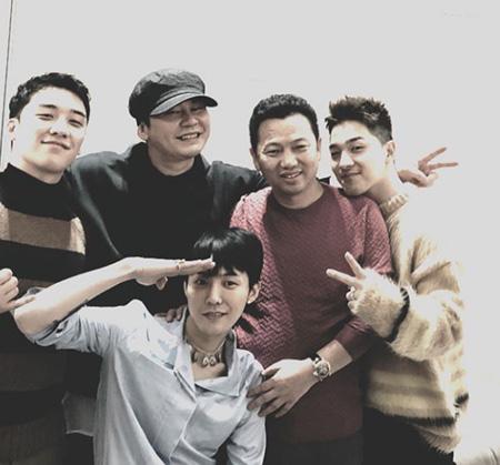 YGエンターテインメントのヤン・ヒョンソクプロデューサーが「BIGBANG」G-DRAGONの入隊を応援した。(提供:OSEN)