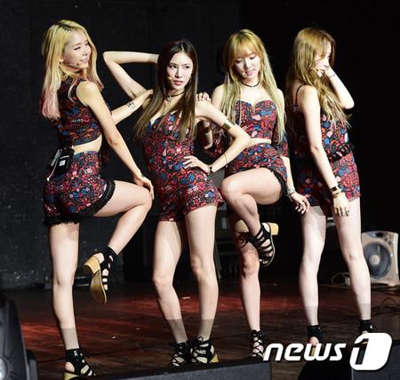 韓国ガールズグループ「STELLAR」がファンミーティングで公式解散を発表した。(提供:news1)