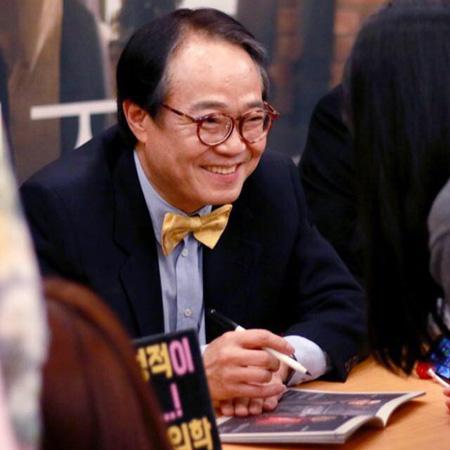 【公式】セクハラ認めた俳優チェ・ヨンミン、演技活動中断+教授職辞任「私の過ち」(提供:OSEN)