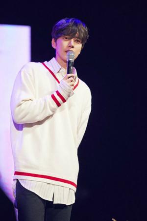 韓国俳優パク・ヘジン(34)が、KBSの芸能情報番組「芸能街中継」人気コーナーの「ゲリラデート」に出演する。(提供:OSEN)