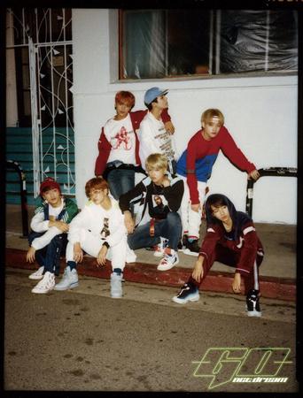 「NCT」の超大型プロジェクト「NCT 2018」のアルバムが3月14日に発売される。(提供:OSEN)