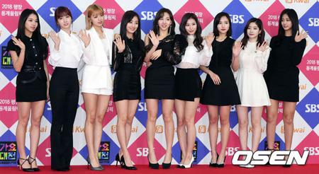 韓国ガールズグループ「TWICE」側が4月9日カムバックと関連し「日程を調整中だ」という立場を明らかにした。(提供:OSEN)