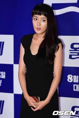 SNSに掲載した文章が騒動となった韓国女優カン・ウンビが、釈明文を掲載してファンを安心させた。(提供:OSEN)