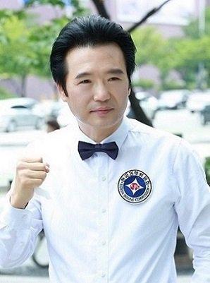俳優チョ・ソンギュ、故チョ・ミンギへの弔問少ない芸能界に苦言「罪は罪で縁は縁…何がそんなに怖いか」