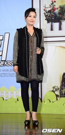 韓国女優キム・ヘソン(48)が破産手続きを踏んでいることが分かった。