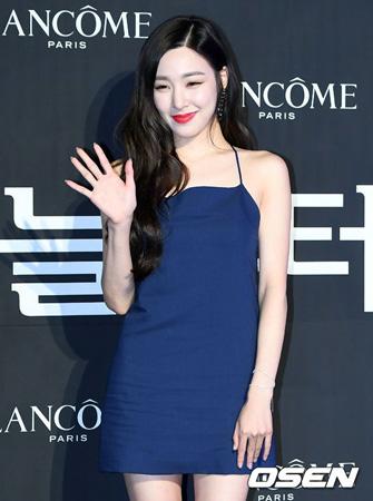 韓国ガールズグループ「少女時代」のティファニー(28)がソロ曲「リメンバー・ミー」を発表した。