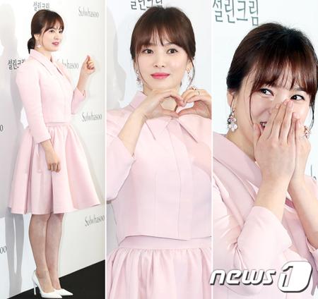 """女優ソン・ヘギョ、ソン・ジュンギと結婚後はじめて公式の場に """"幸せいっぱいのピンク色"""""""